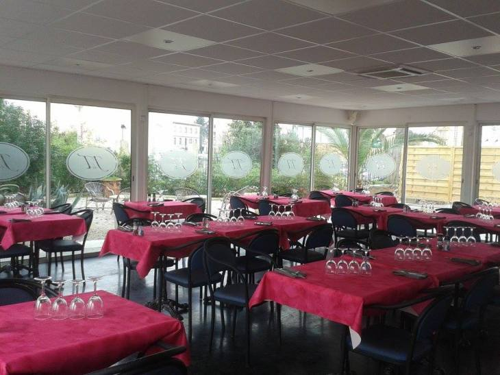 agde chat resto